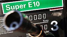 Der Käuferstreik bei E10 kommt den Autofahrern teuer zu stehen.