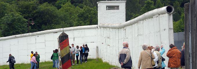 Der Todesstreifen an der früheren innerdeutschen Grenze (Museum in Mödlareuth).
