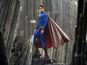 Nur Superman würde einen Fahrstuhlabsturz überstehen und müsste dabei nicht einmal hochspringen.