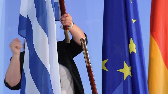 Sparziele verfehlt: Griechenland entlässt Beamte