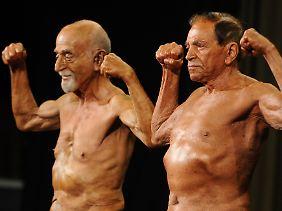 Machos oder Männer voller Unsicherheit?: Bodybuilder mit mehr als 70 Jahren.