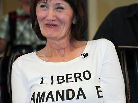 Susan Rosales in Seattle freut sich nach dem Freispruch für Amanda Knox.