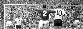 Ein dunkler Fleck scheint auf dem Team zu lasten, das 1966 in England (hier das 2:1 für den Gastgeber im Finale) Vize-Weltmeister wurde.