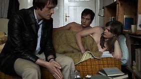 Bernward Vesper erwischt Gudrun Ensslin und Andreas Baader (Alexander Fehling) im Bett.