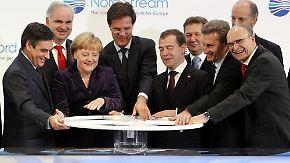 Einweihung der Ostseepipeline in Lubmin: Merkel/Medwedew drehen Hahn auf