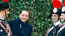 """Regierungschef in einem """"Scheißland"""": Berlusconis Zeit geht zu Ende"""