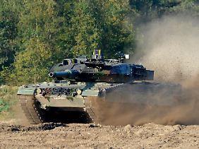 """Ein Panzer vom Typ """"Leopard 2"""""""
