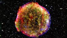 Dank moderner Teleskope können Astronomen eine spektakuläre Sternexplosion von 1572 noch einmal beobachten.