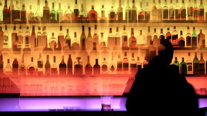 Bei einem bestimmten Maß an Alkohol nimmt die Sehschärfe ab. Später leidet dann auch das Gedächtnis.