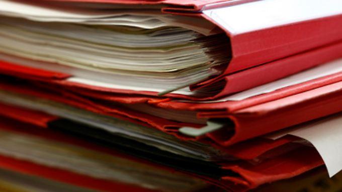 Nicht die Höhe der Papierstapel entscheidet darüber, ob jemand krankhaft prokrastiniert, sondern der persönliche Leidensdruck.