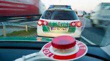 Verfolgungsjagd auf der A1: Bekiffter flieht vor Polizei