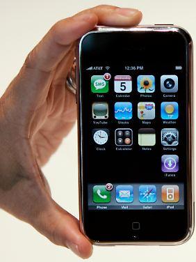 Das erste iPhone verkaufte sich fantastisch, obwohl Nutzer auf UMTS verzichten mussten.