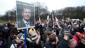 Protest vor dem Schloss Bellevue in Berlin.