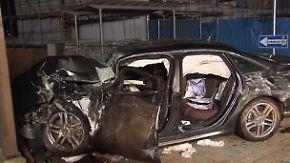 Tödlicher Unfall: Auto rast in vierköpfige Familie