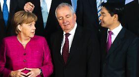 Merkel, Töpfer, Rösler: Die Energiewende hat die FDP mitbeschlossen, aber noch nicht mitgestaltet.