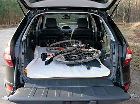 Die innere Plastik-Verkleidung an den Seiten des Kofferraumes ist sehr kratzempfindlich.