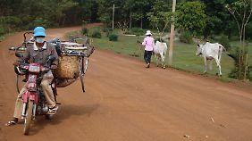 Die Strecke von Kampong Thom zu den Tempeln des versunkenen Königreichs Isanapura ist ländlich geprägt.