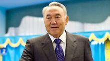 Nursultan Nasarbajew versucht mit der Wahl, dem autoritären Kasachstan einen demokratischen Anstrich zu verpassen.