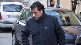 Vor Gericht erleben Beobachter, wie sich Schettino versucht, aus der Verantwortung zu stehlen.
