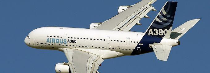 """A380: großer Flieger mit """"kleinen"""" Rissen."""