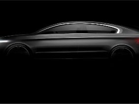 Chefdesigner Gert-Volker Hildebrand zeichnet für die Form der neuen Limousine verantwortlich.