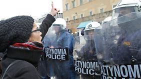 Entscheidung über Sparpaket: Griechenland lässt EU zappeln