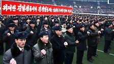 Unsterblich auch im Tode: Kim Jong Il feiert Geburtstag