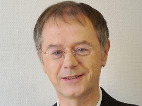 """Christoph Butterwegge forscht seit Jahren am Institut für vergleichende Bildungsforschung und Sozialwissenschaften der Uni Köln zum Thema Armut. Zuletzt erschien von ihm """"Armut in einem reichen Land""""."""