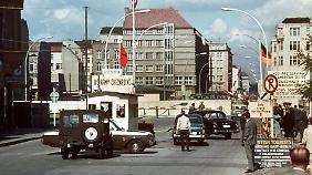 ... realitätsnah aufbereitet. Ihn durften zu DDR-Zeiten nur Ausländer und Diplomaten passieren.