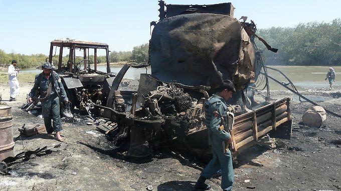 Der Luftangriff galt zwei Tanklastern, die von Taliban-Kämpfern entführt worden waren (Bild vom Tag nach dem Angriff am 4. September).
