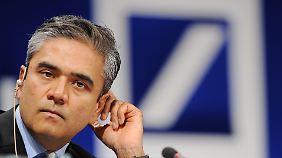 Stühlerücken bei der Deutschen Bank: Neue Chefs bauen Konzernspitze um