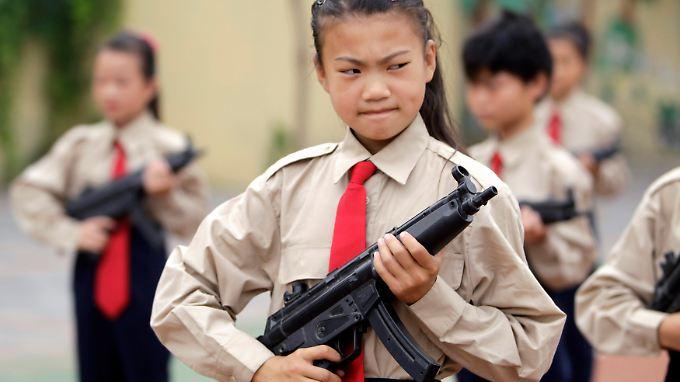 China produziert auch Spielzeugwaffen. Der Weltgemeinschaft machen aber nur ihre tödlichen Vorbilder Sorgen.