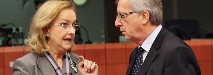 "Maria Rekter rechnet es Eurogruppen-Chef Jean-Claude Juncker vor: ""Spanien muss sich anstrengen."""