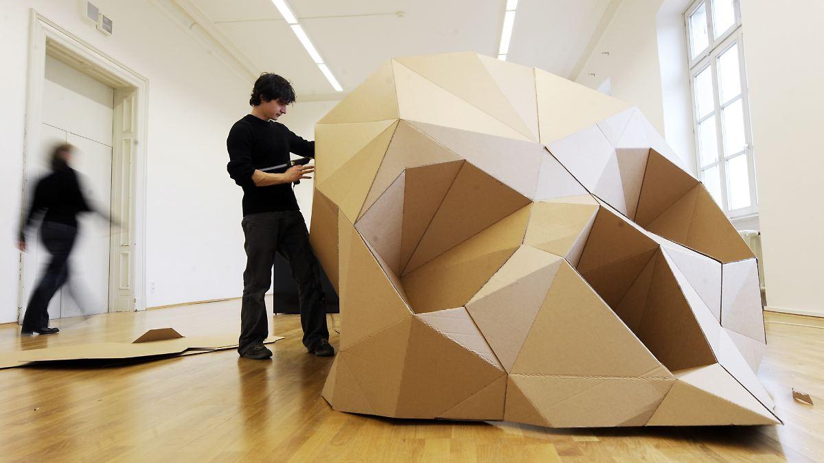produkte aus sechs jahrzehnten ikea ist reif f rs museum n. Black Bedroom Furniture Sets. Home Design Ideas