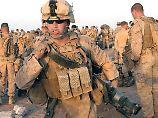 Kehrtwende, Marsch!: Nato verstärkt Afghanistantruppe