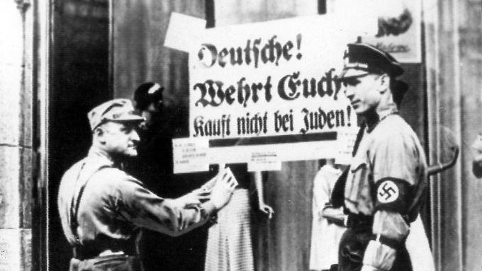 In der Nacht zum 10. November 1938 fielen NS-Banden über Synagogen, jüdische Einrichtungen und Geschäfte her.
