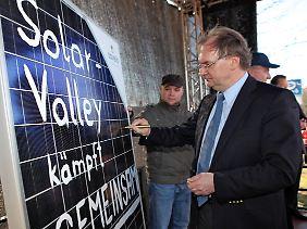 Sachsen-Anhalts Ministerpräsident Reiner Haseloff (CDU) protestiert gegen Kürzungen der Solarförderung.