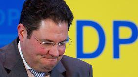 Der designierte FDP-Generalsekretär Patrick Döring gibt in der FDP-Parteizentrale in Berlin eine Erklärung ab.