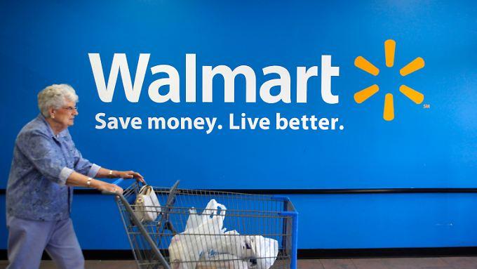 """Brandbrief an Robert Lightizer: Bei Walmart sorgt sich die Geschäftsführung um die Folgen von Trumps """"America First""""-Strategien."""