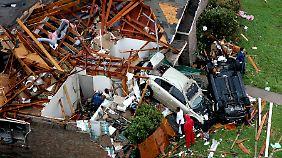 Auch Stunden nach den Stürmen waren Zehntausende Haushalte in Dallas noch ohne Strom.
