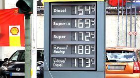 Rekordpreise an der Tankstelle: Kartellamt schaltet sich ein