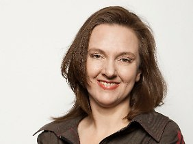 """Astrid Schneider ist Sprecherin der Grünen-Bundesarbeitsgemeinschaft Energie und Mitglied des Berliner Abgeordnetenhauses. Sie ist Mitautorin des Buches """"Störfall Atomkraft: Sieben Schritte zu einer Welt ohne atomare Bedrohung""""."""
