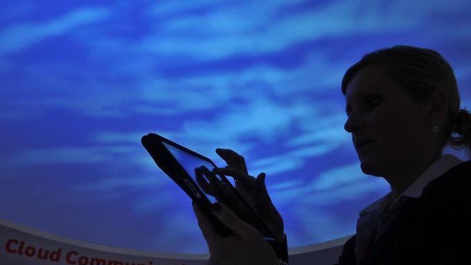 In der IT-Branche wird das Cloud Computing als Heilsbringer gefeiert.