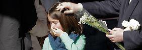 Kinder trauern anders als Erwachsene - auf verzweifeltes Weinen kann intensives Spielen folgen.