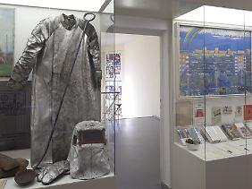 Schweißer-Anzug: Die Schau zeigt sowohl Beispiele von typischer Arbeits- als auch von Alltagskleidung in der DDR.