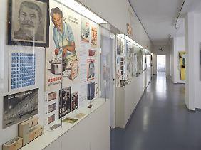 Stalin und Konsum-Reklame in den 50ern: Die Dauerausstellung geht chronologisch vor.