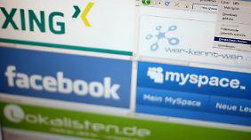 Verbraucherschützer mahnten die Plattformen Facebook, MySpace, Lokalisten, Xing, und Wer-kennt-wen 2009 wegen eklatanter Lücken beim Datenschutz ab.