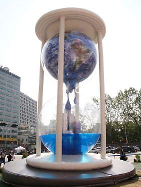 Die Zeit läuft ab: Die natürlichen Ressourcen der Erde sind bedroht.