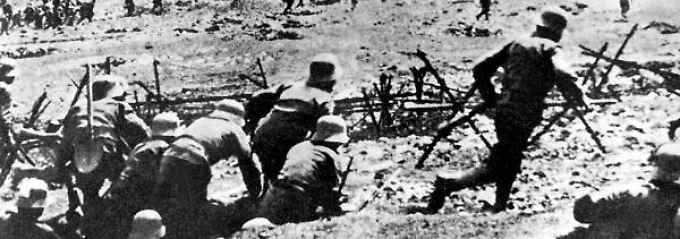 Ausgelöst wurde der Krieg durch die tödlichen Schüsse auf den österreichischen Thronfolger Franz Ferdinand durch serbische Nationalisten am 28. Juni 1914 in Sarajevo .