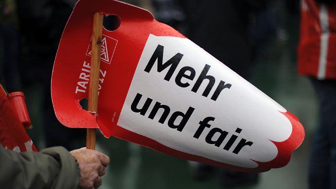 """""""Mehr und fair"""", so die Forderung der IG Metall."""